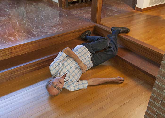 slip-and-fall-injury-workplace-sue